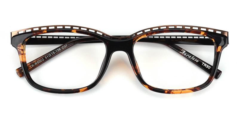 Lizzy-Tortoise-Eyeglasses / Fashion / SpringHinges / UniversalBridgeFit